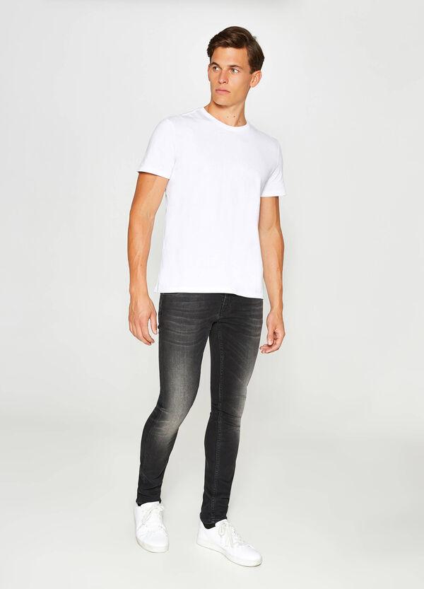 Stretch-Jeans Slim Fit mit Used-Effekt mit Whiskering
