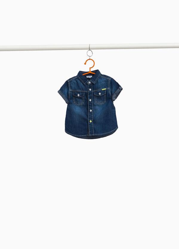 Jeans-Hemd mit kurzen Ärmeln
