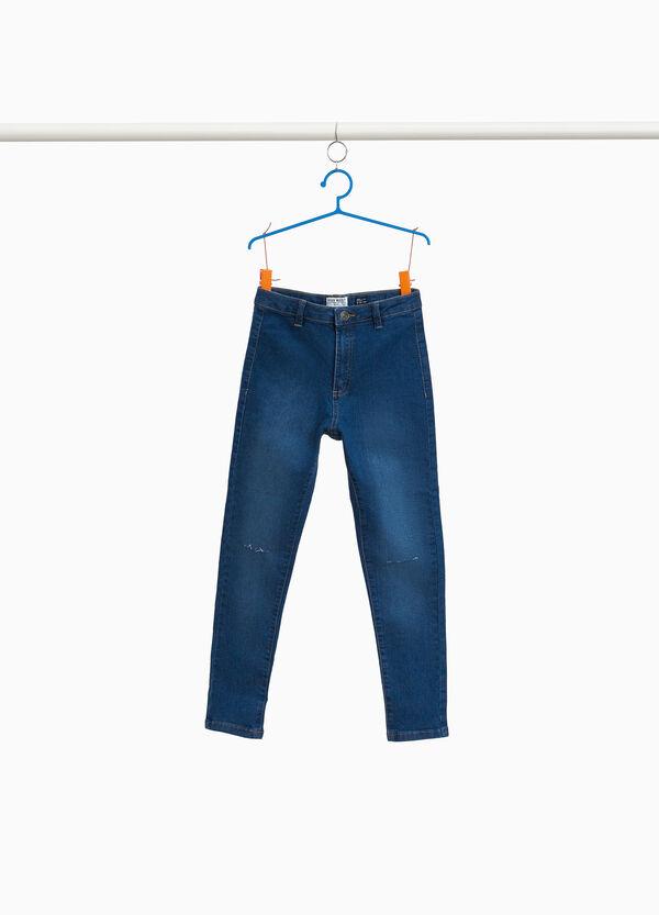 Jeans mit hohem Dehnbund mit Destroyed-Elementen