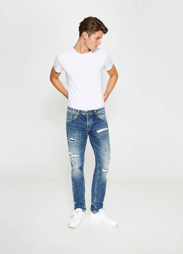 Stretch-Jeans Straight Fit mit Destroyed-Stellen | OVS