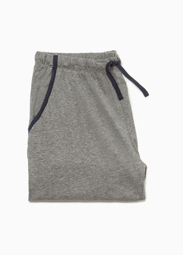 Kurze Pyjamahose mit Schlitzen