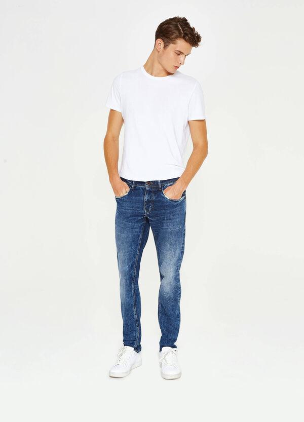 Stretch-Jeans Slim Fit Used-Effekt mit Wiskering | OVS