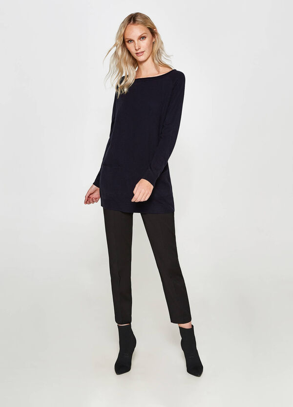 Langer Pullover mit Taschen