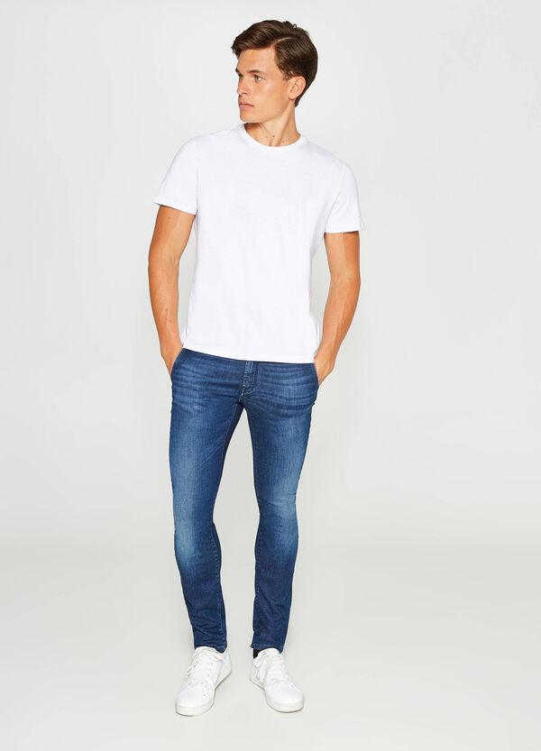 Stretch-Jeans Slim Fit Used-Effekt mit Whiskering | OVS