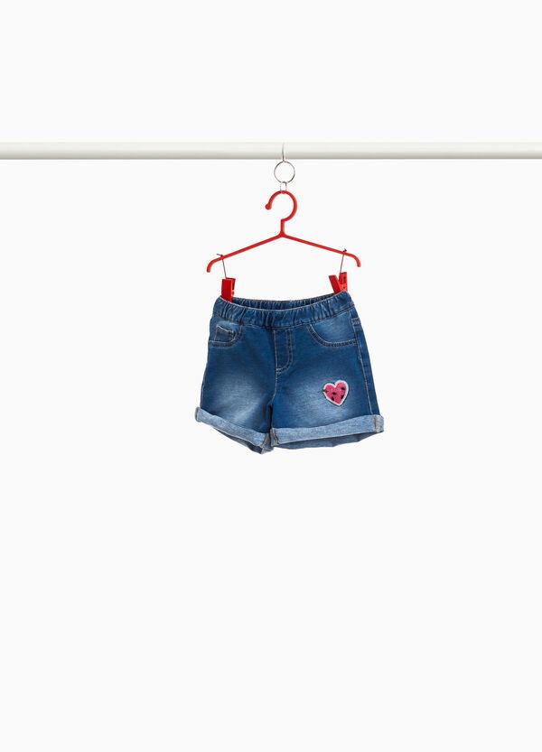 Jeans-Shorts mit Herz Pailletten