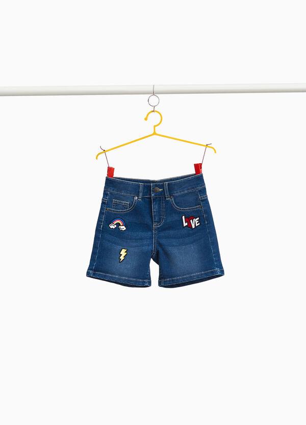 Jeans-Stretch-Shorts mit Patch