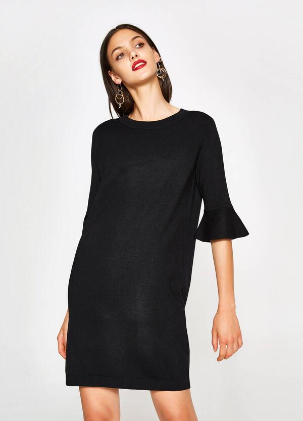 Kleid aus Viskose mit Dreiviertelärmeln. | OVS