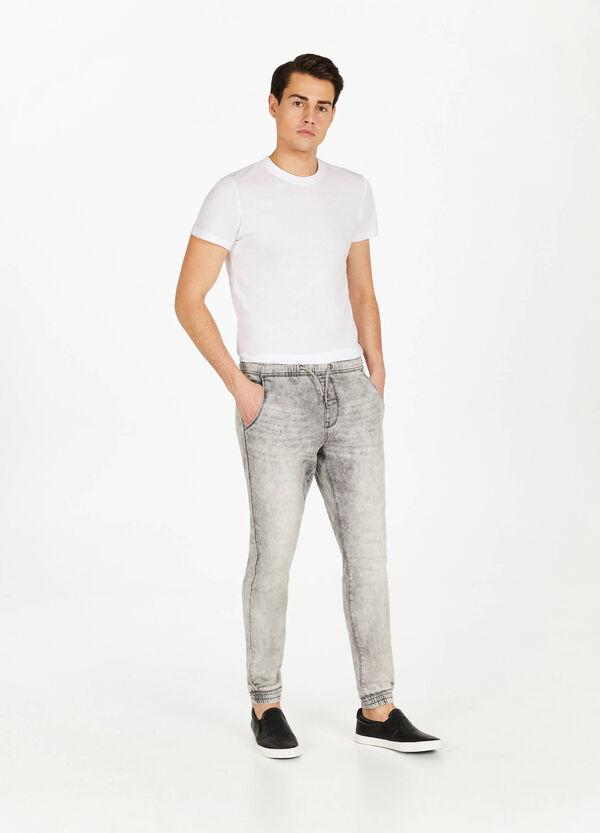 Stretch-Jeans Jogger Fit mit Used-Effekt