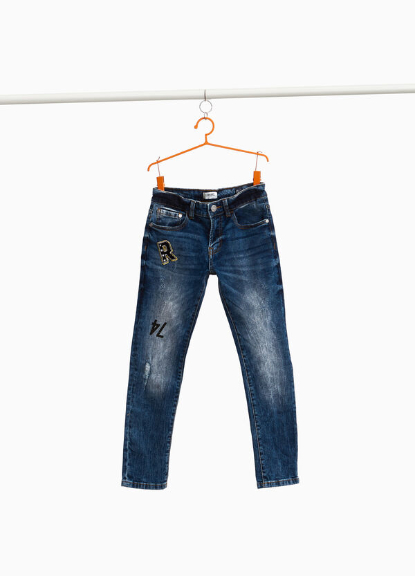 Jeans Straight Fit Used-Effekt mit Patch