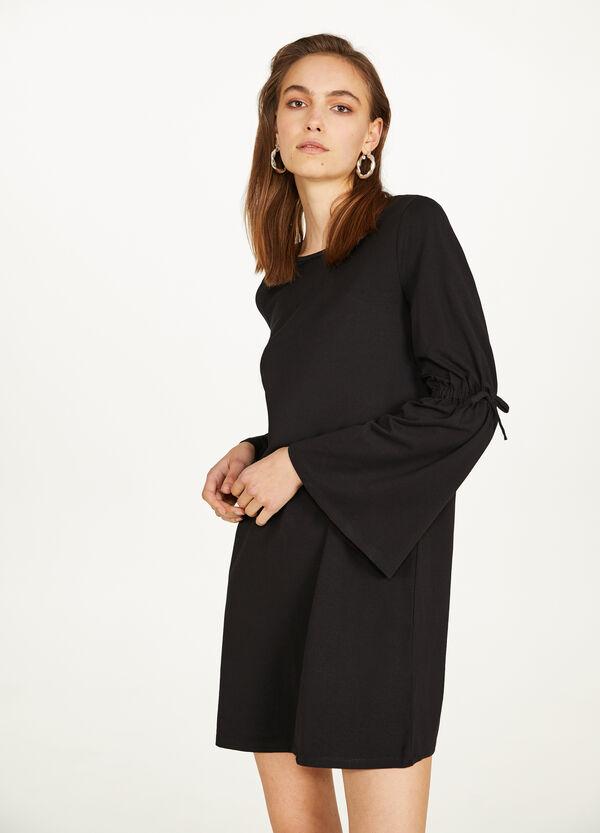Stretch-Kleid mit Glockenärmeln