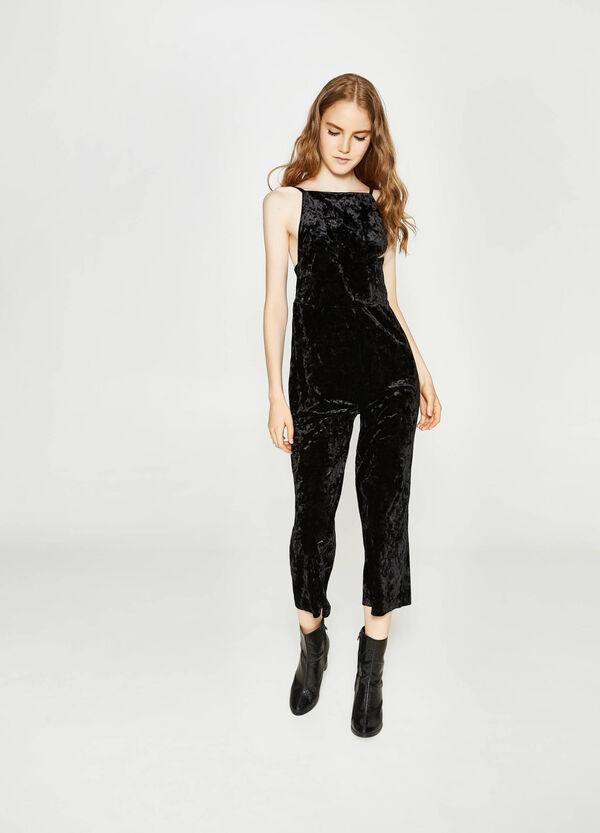Einfarbiger Hosenkleid aus Samt | OVS