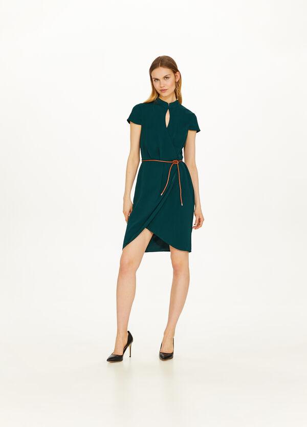 Einfarbiges Kleid Stehkragen mit Wickelpasse