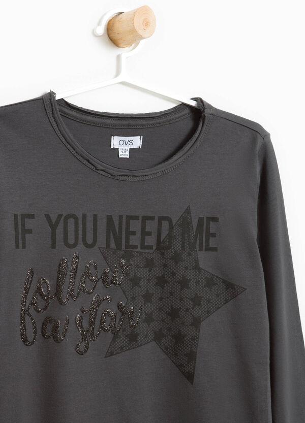 T-Shirt reine Baumwolle mit Glitter-Aufdruck | OVS
