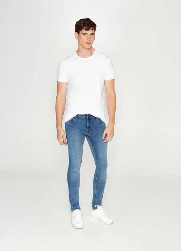 Stretch-Jeans Super Skinny Fit entfärbte Optik | OVS