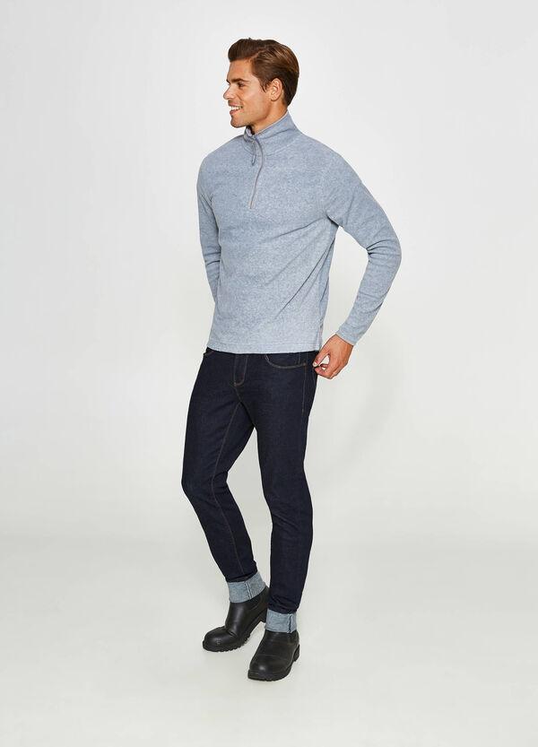 Sweatshirt aus Fleece mit Schlitzen