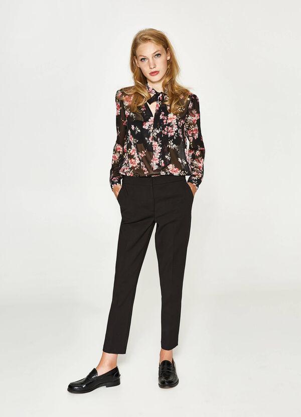 Hose mit Bundfalte aus Baumwollstretch | OVS
