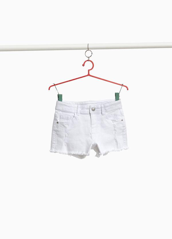 Jeans-Shorts Stretchqualität mit Destroyed-Elementen
