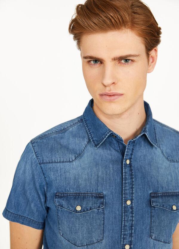 Lässiges Jeans-Hemd mit kleinen Taschen