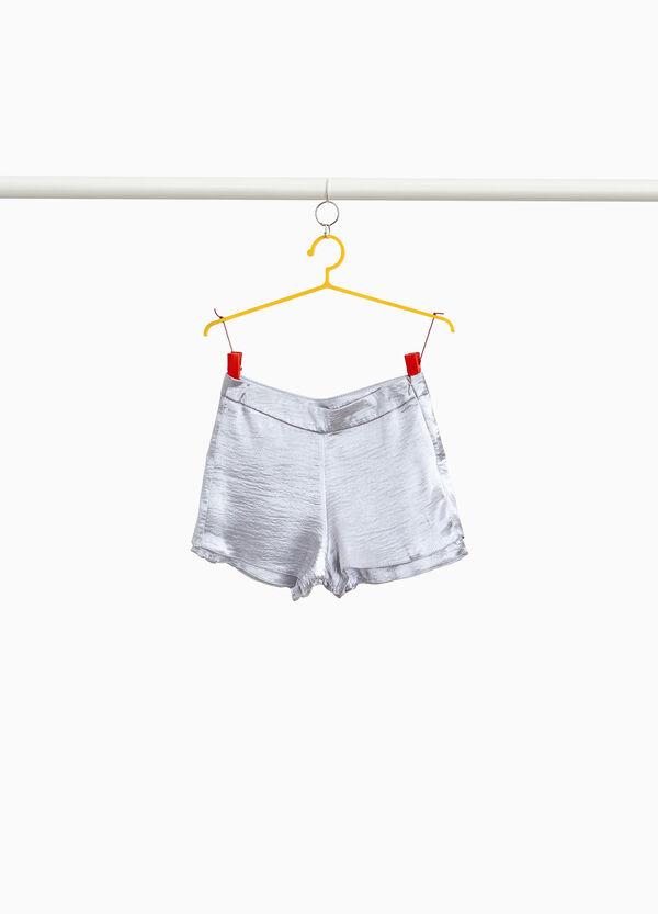 Glanz-Shorts mit Reliefstruktur