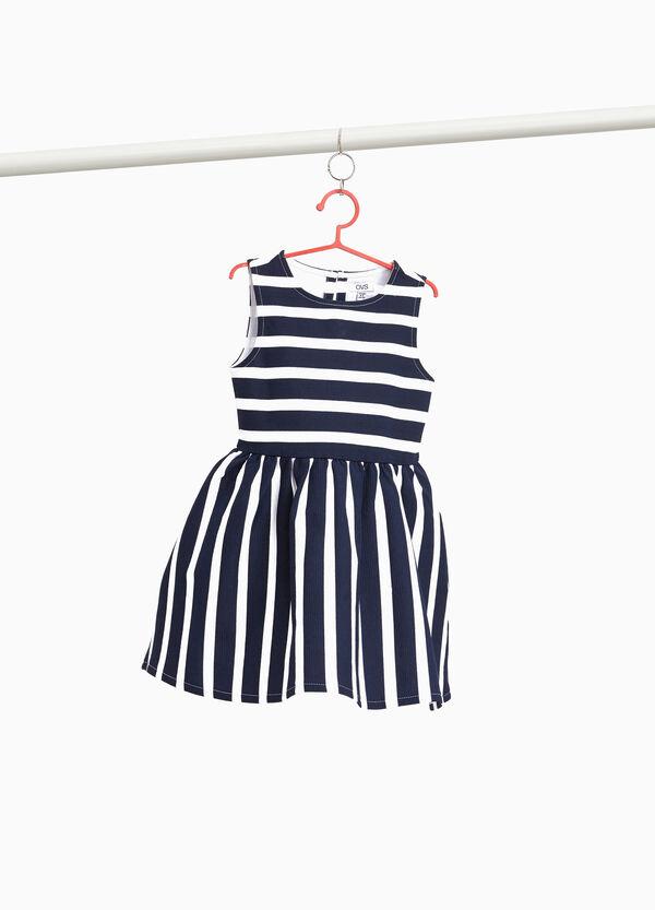 Ärmelloses Kleidchen Stretchqualität mit Streifen