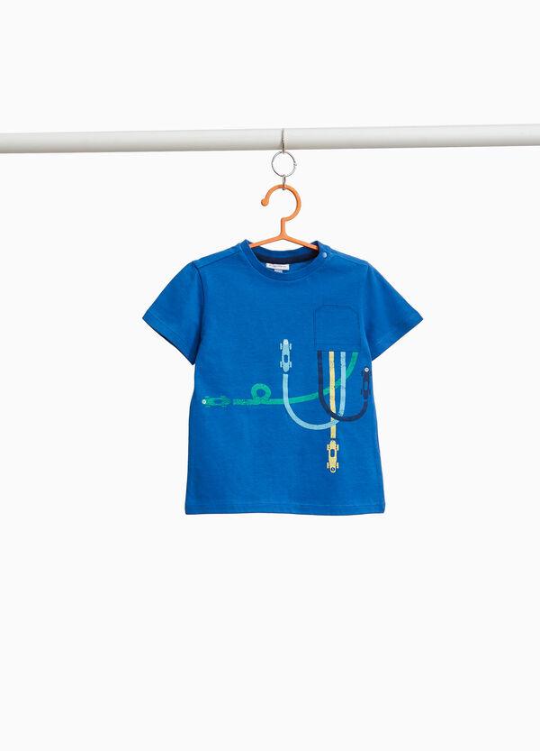 T-Shirt Aufdruck Tasche und kleine Autos