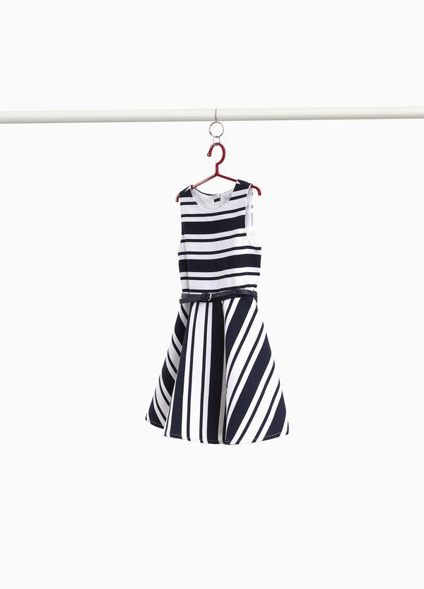 Ärmelloses Kleidchen gestreift
