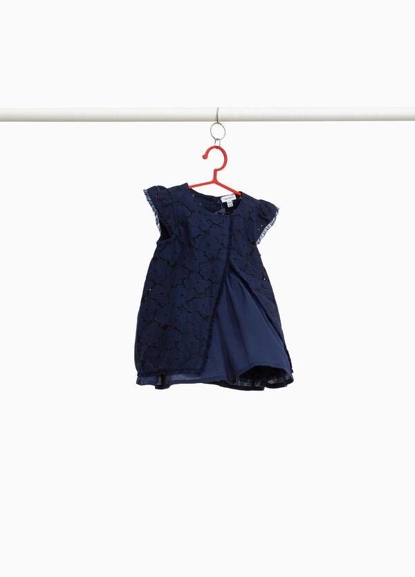 Kleidchen aus Spitze aus reiner Baumwolle