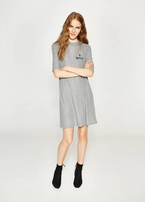 Kleid aus Viskose mit Aufdruck | OVS