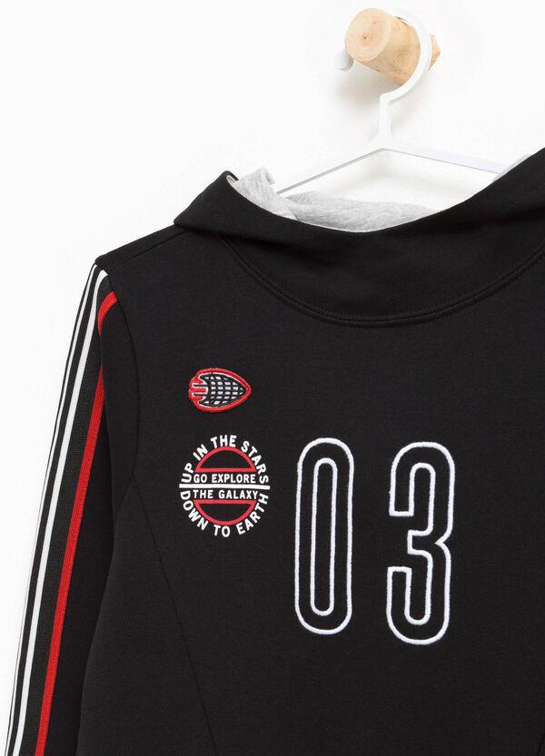 Sweatshirt Bauchtasche und Aufdruck | OVS