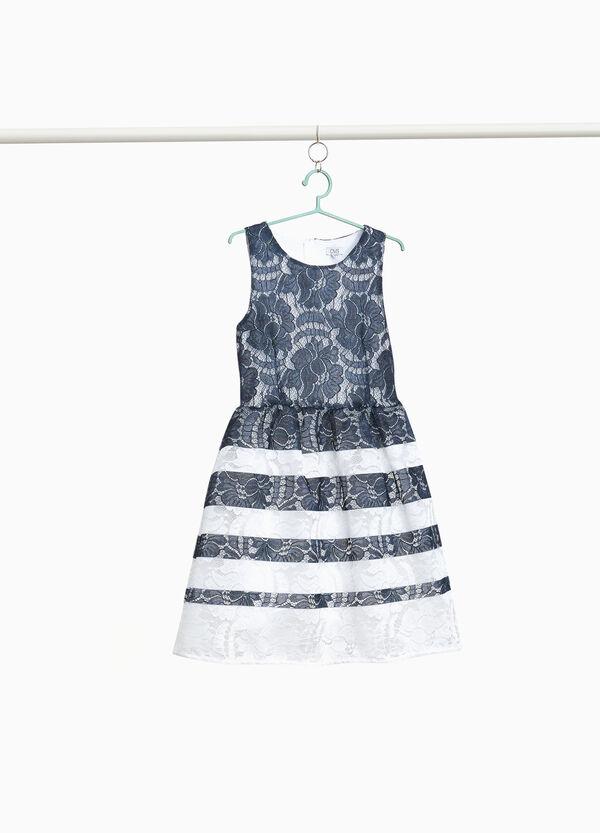 Kleidchen aus Spitze Streifenmuster