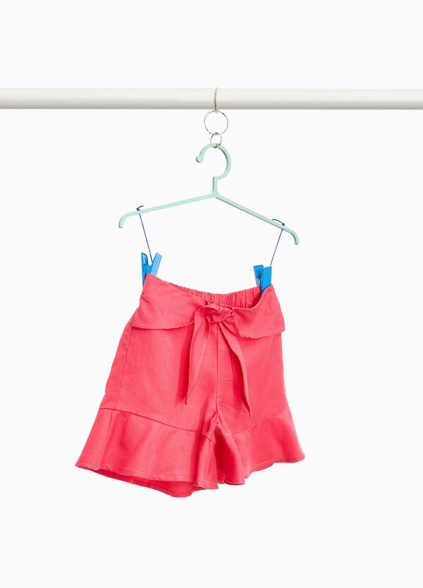 Shorts aus reinem Lyocell mit Volant