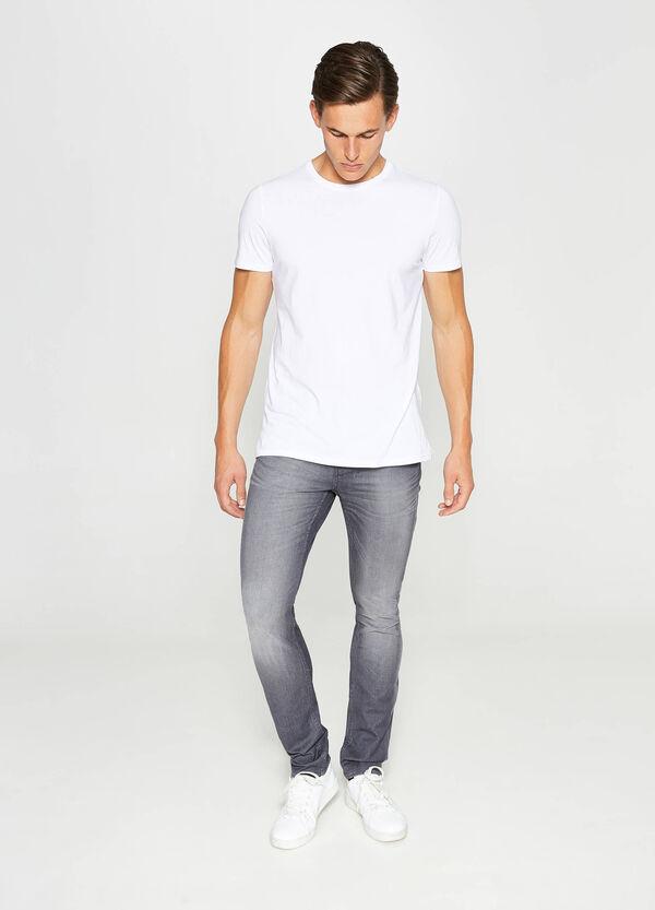Jeans Skinny Fit mit Used-Effekt und Whiskering