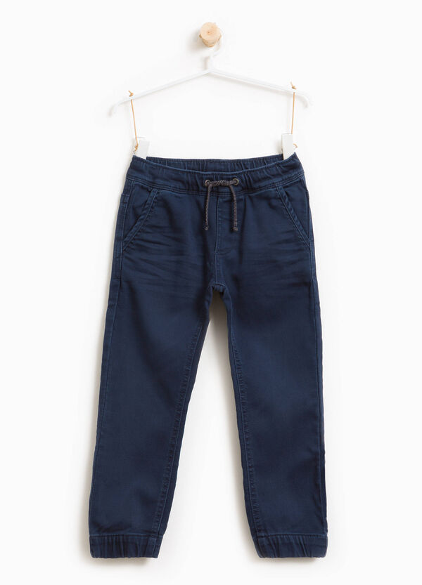 Einfarbige Stretch-Jeans Joggers Fit | OVS