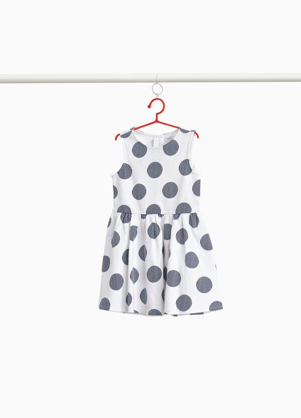 Ärmelloses Kleidchen Stretchqualität mit Tupfen