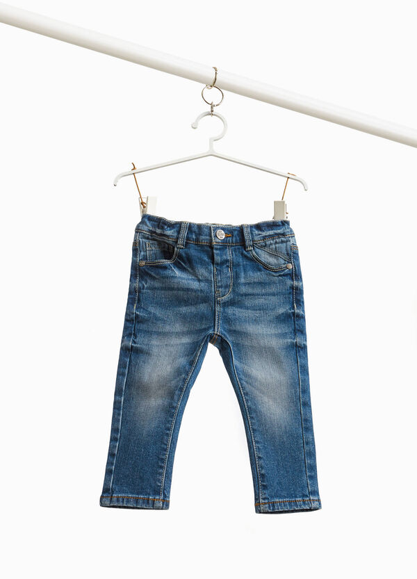 Stretch-Jeans Used-Effekt mit Whiskering