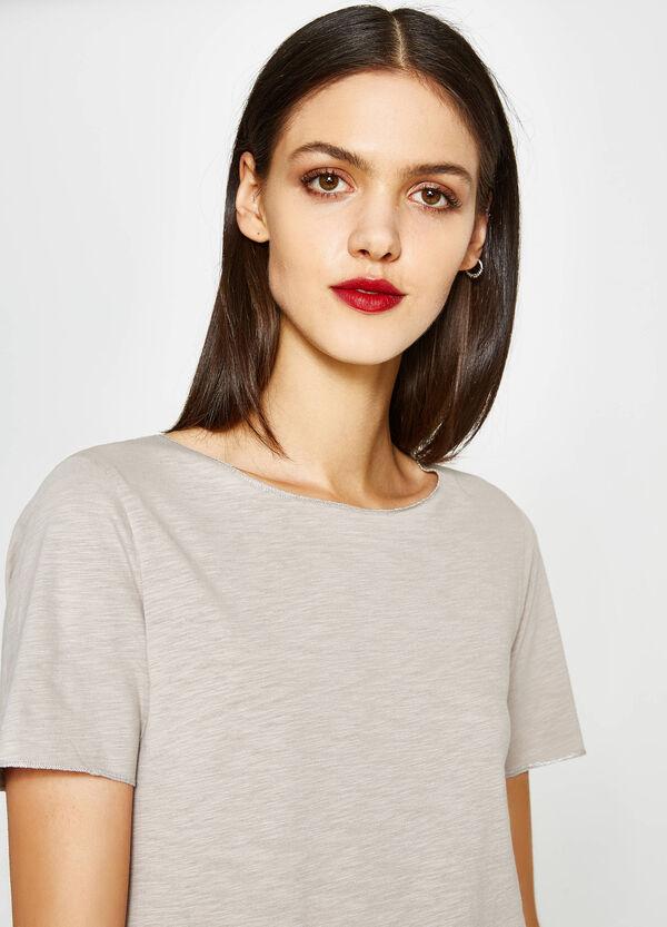 T-Shirt aus reiner Baumwolle mit großem Ausschnitt   OVS