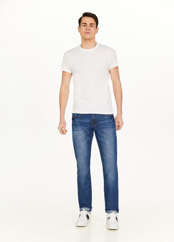 Stretch-Jeans mit Used-Effekt und entfärbter Optik