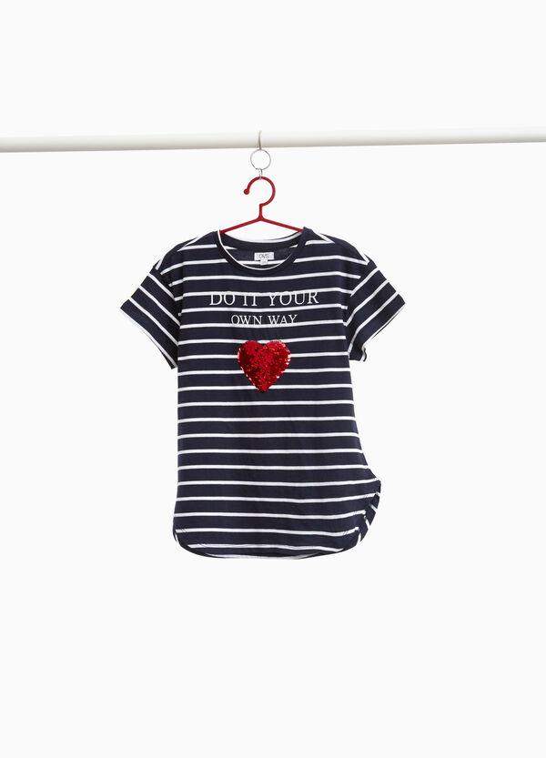 T-Shirt mit Streifen und Pailletten in Herzform