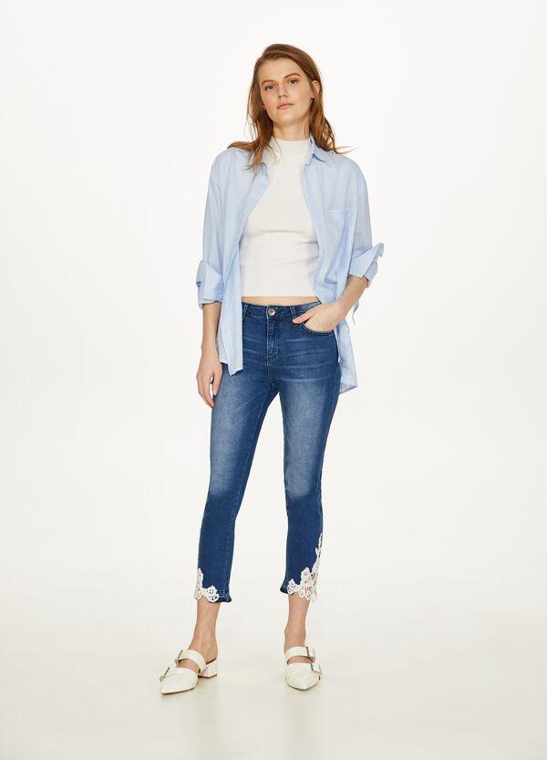 Stretch-Crop-Jeans Slim Fit mit Spitze