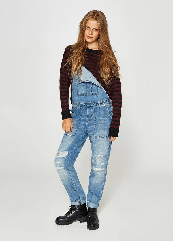 Jeans-Latzhose mit Used-Effekt mit Destroyed-Stellen | OVS