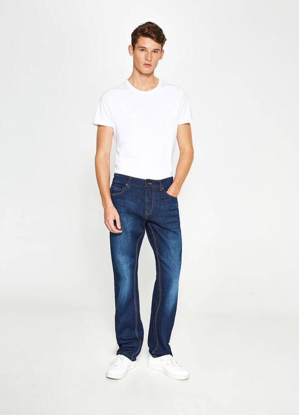 Stretch-Jeans Comfort Fit mit Used-Effekt | OVS